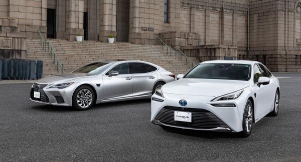 Toyota представила собственный автопилот