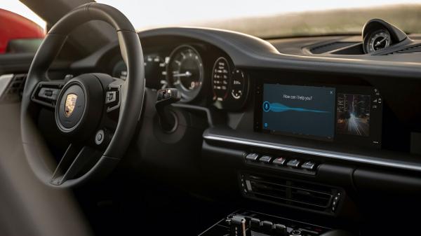Медиасистема Porsche теперь понимает инструкции на естественном языке и дружит с Android